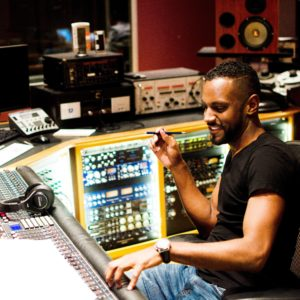Carlos Simon in Studio