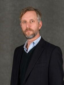 Headshot of Professor Ben Harbert