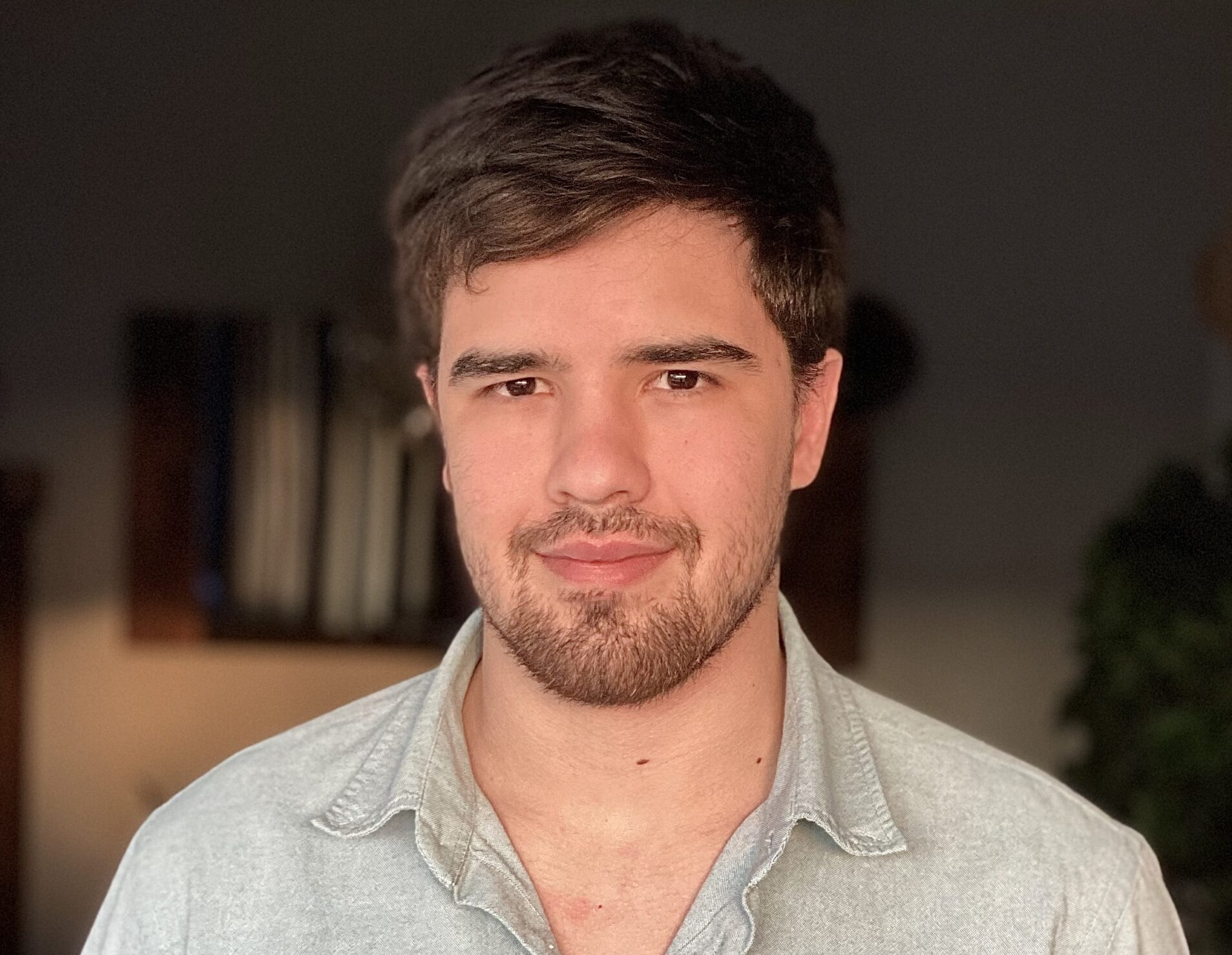 Photo of Lucas Roos, headshot